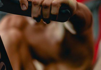 Jak unikać kontuzji w treningu siłowym?
